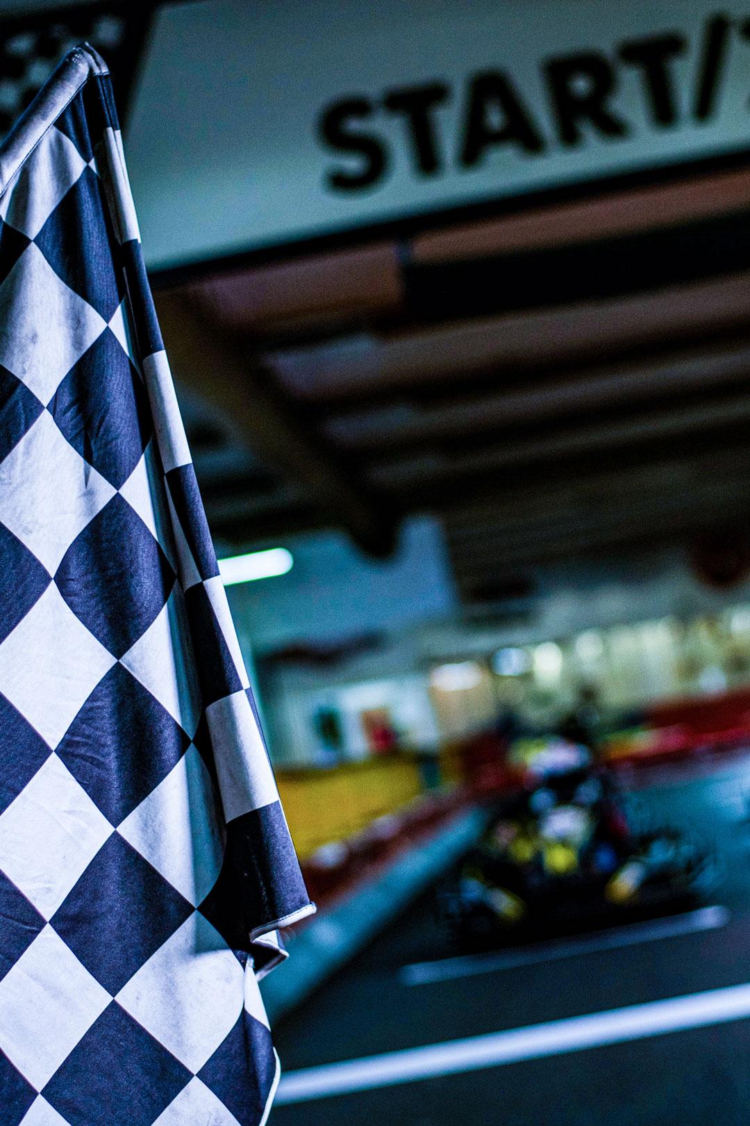 Startzeichen für ein packendes Rennen auf der Kartbahn Wuppertal